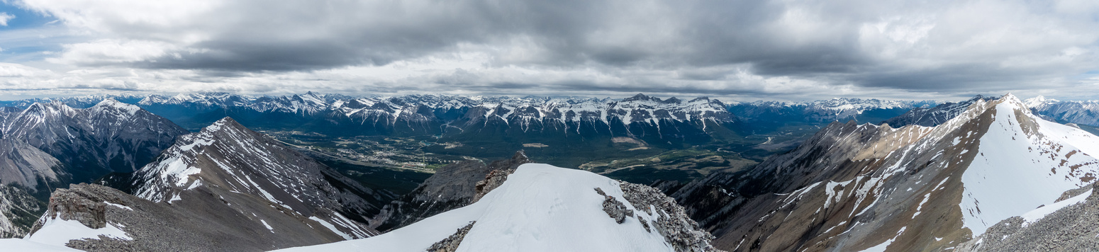 Summit panorama looking across the Bow Valley at the huge massif of Mount Rundle. Charles Stewart at right, ST at center and Lady MacDonald at left