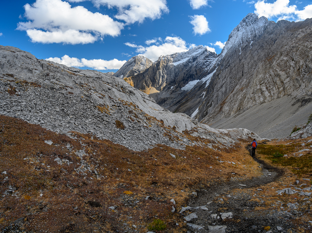 Descending into Commonwealth Creek from Smuts Pass.