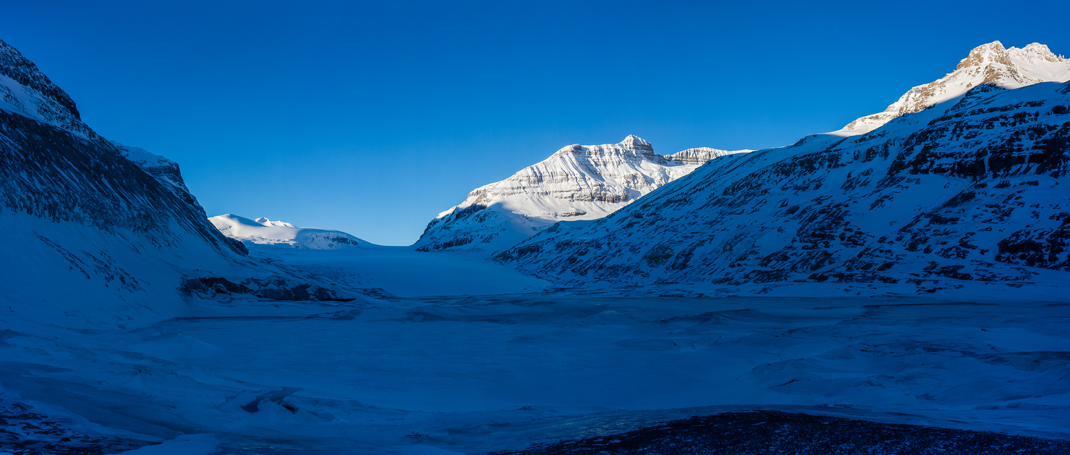 Approaching the Saskatchewan Glacier.