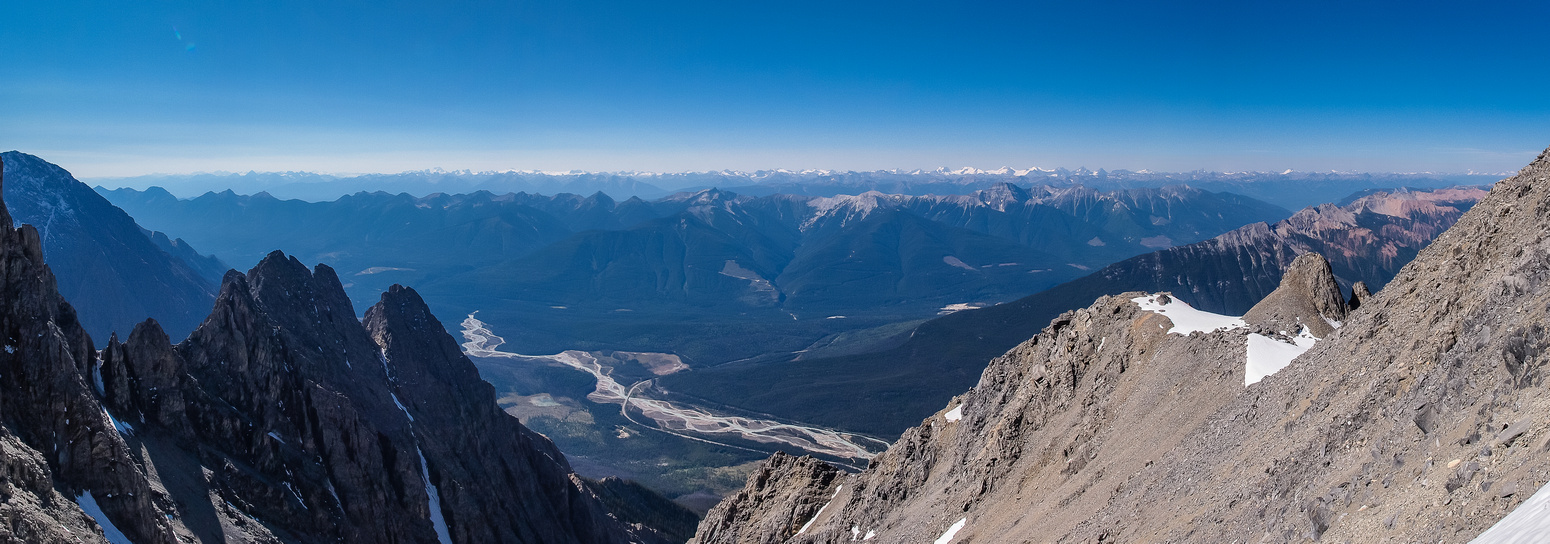 Higher than most other peaks in the vicinity now - still not at the crux.