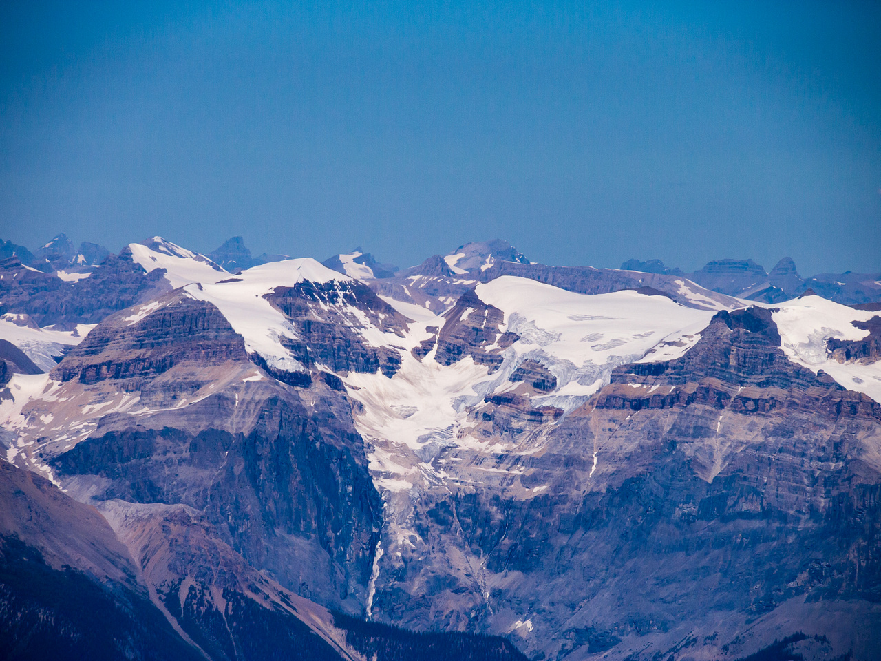Looking over The President (L) and Vice President (R) towards Des Poilus, Yoho and Collie.