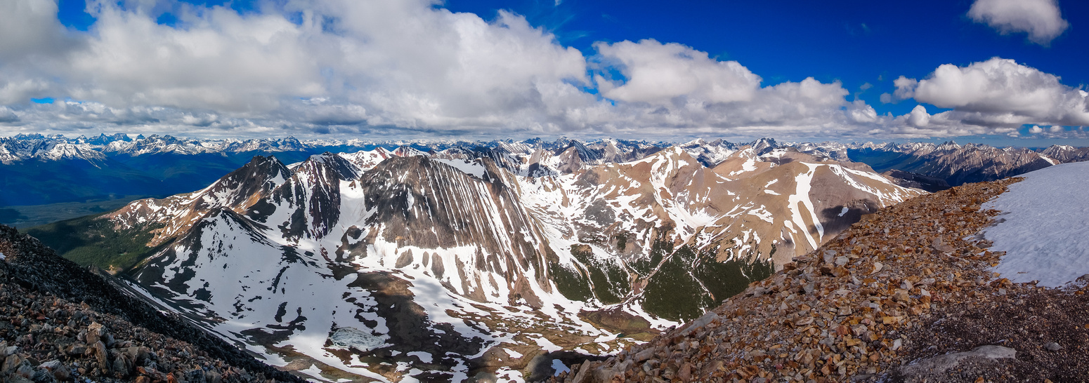 Fantastic pano over the Victoria Cross Range. In the foreground from R to L, Kinross, Unnamed and Zengel.