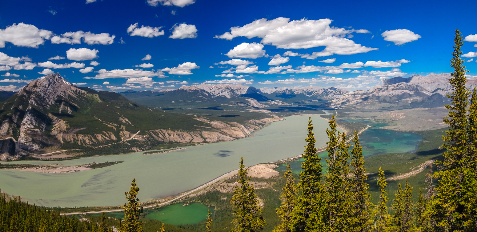 The two differently colored lakes are Jasper (left) and Talbot (right). Edna Lake sneaks into the extreme lower left corner of the photo.