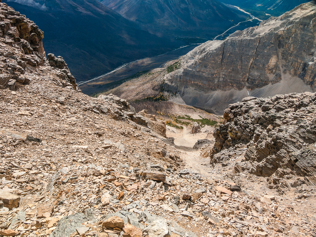 Looking down my descent route via the easy south ridge.