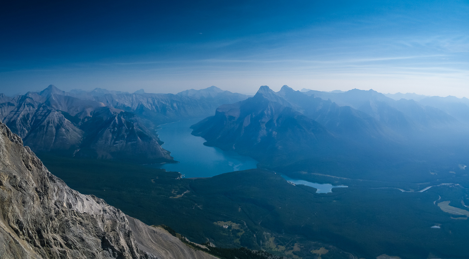 Gorgeous view down Lake Minnewanka with Aylmer on the left and Inglismaldie / Girouard on the right.