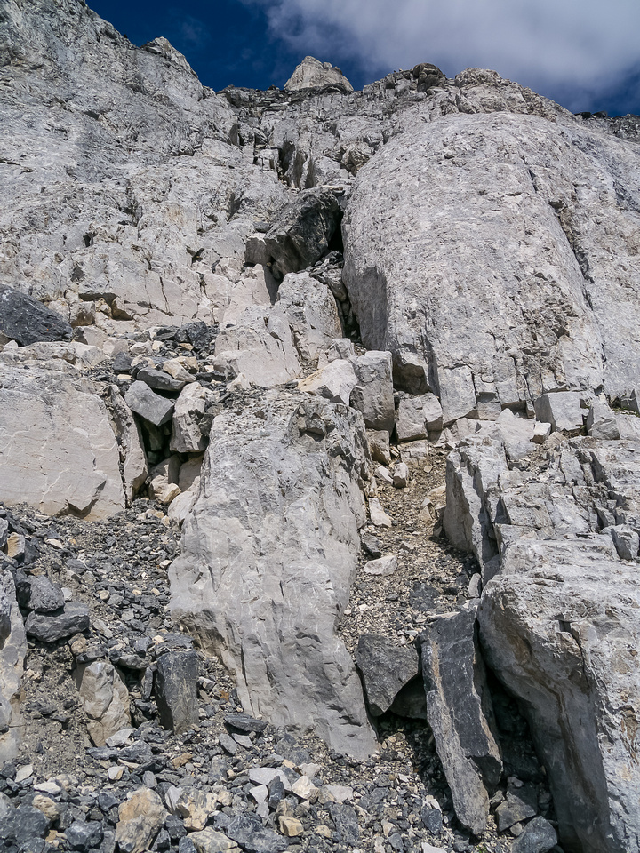 Loose rocks on the descent mean you should be aware of parties climbing either above or beneath you.