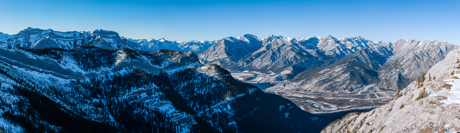 Panorama over Heart Mountain to McGillivray (L), Grotto, Gap, Fable and others.