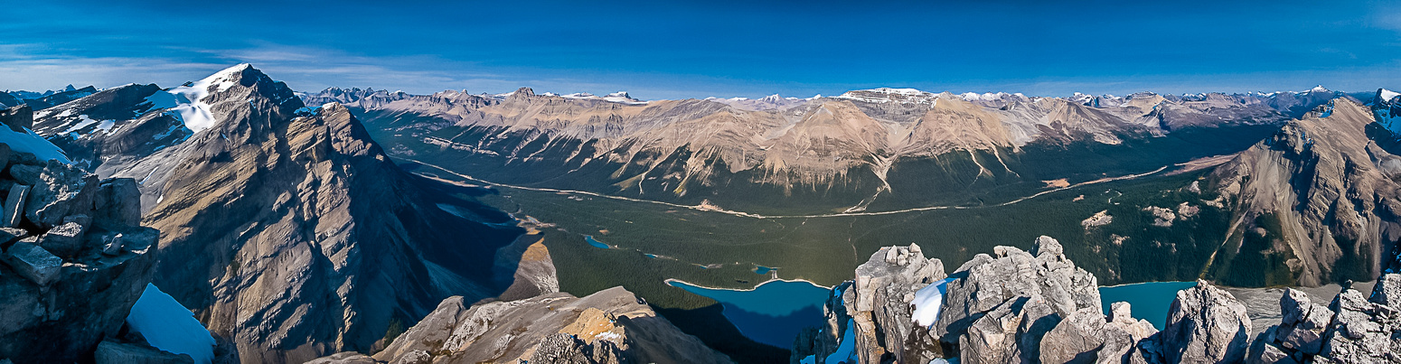 Patterson on the left, Noyes, Weed, Observation and Peyto Lake in the middle.