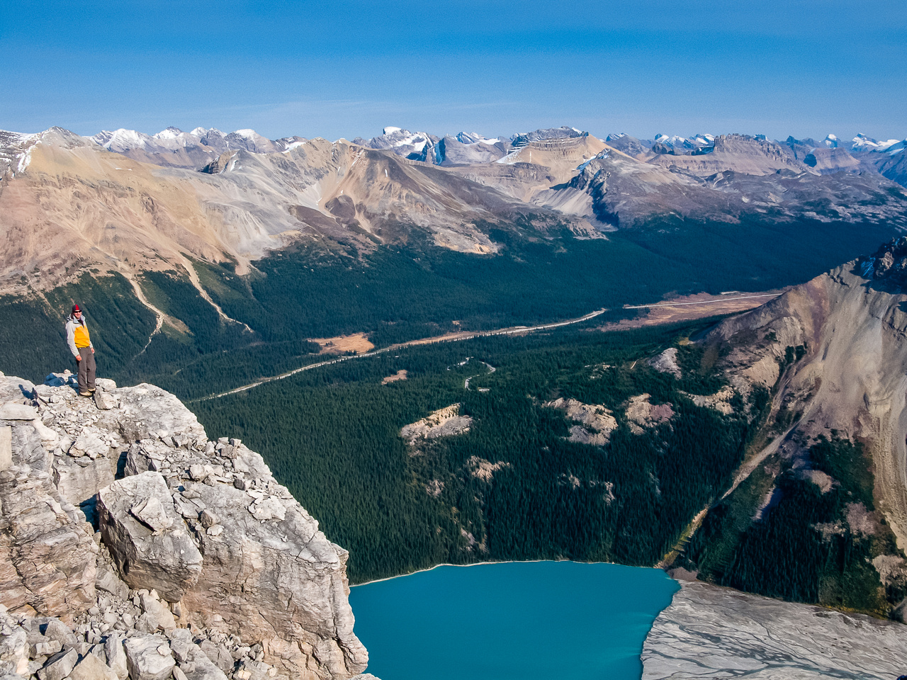 A great shot of Raf with Peyto Lake far below.