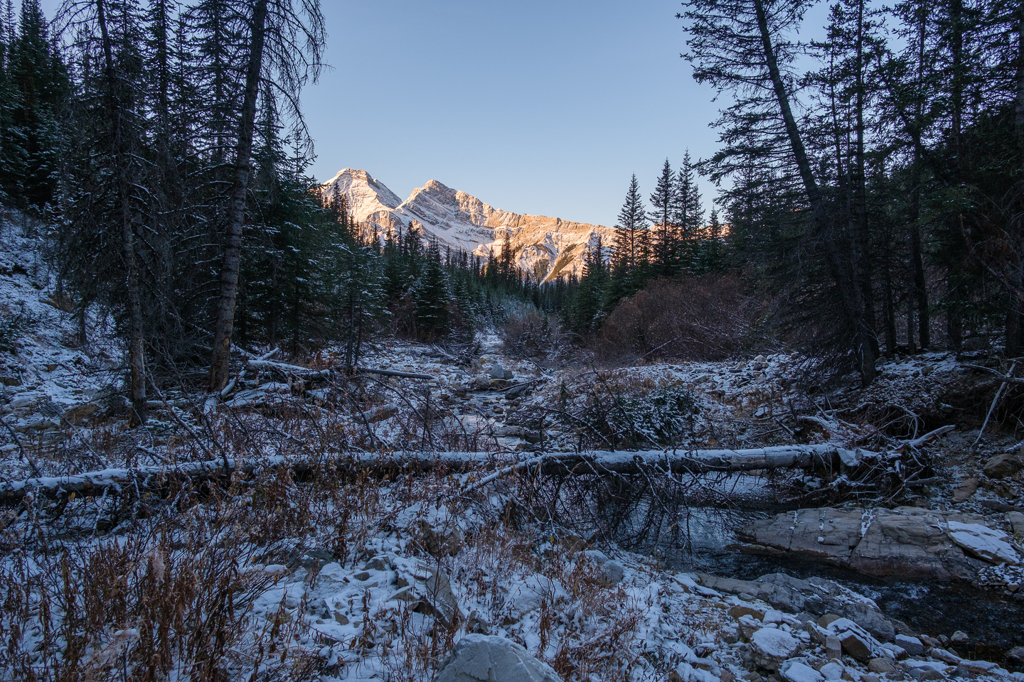 A cold, snowy hike up the Headwall Lakes trail.