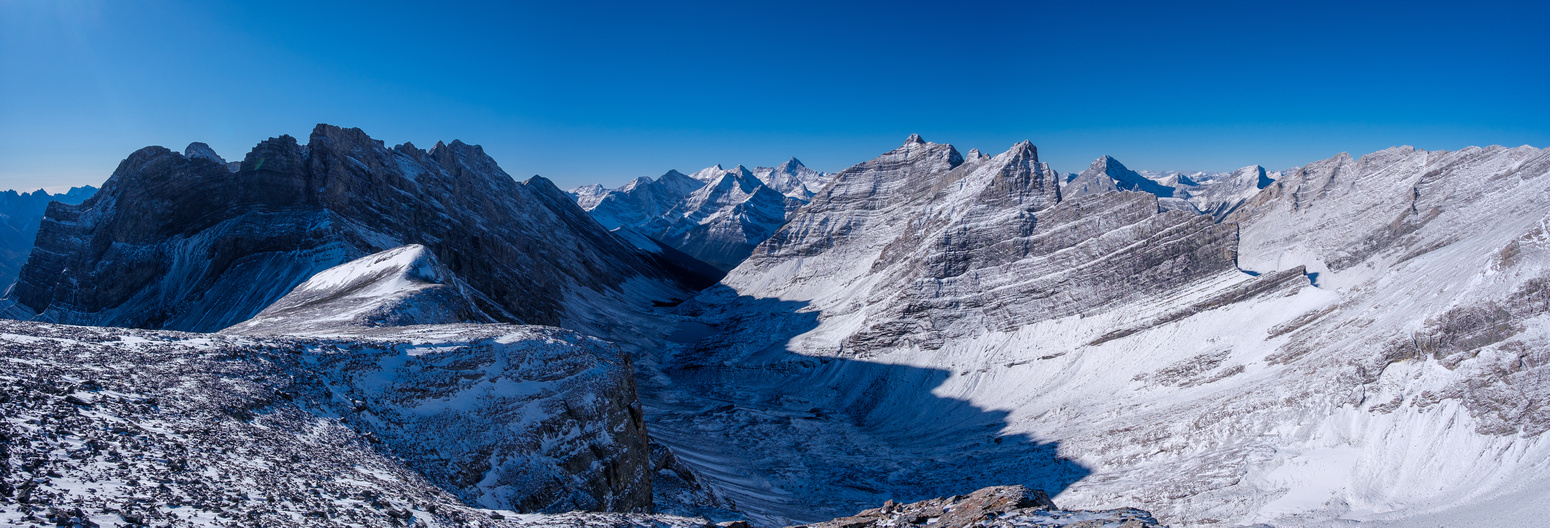 Views of the Headwall Lakes approach (L) to the Fortress col (R).