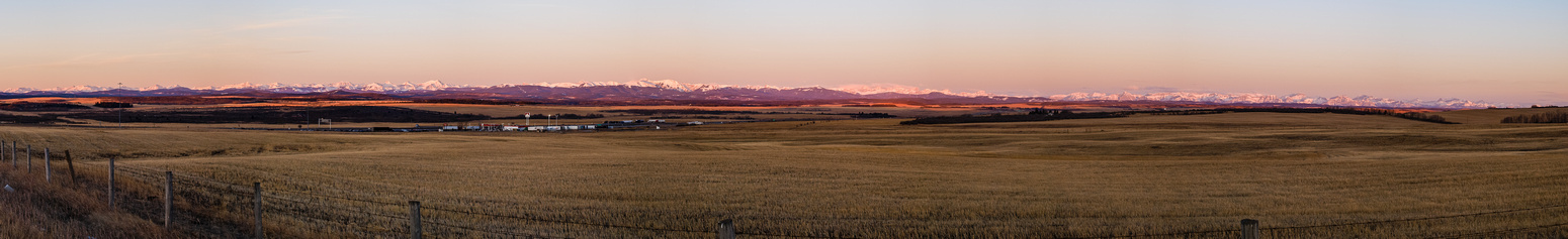 I was a bit early for the morning meeting place so I snapped this shot of the mountains from near the Cochrane / Hwy #1 turn off.