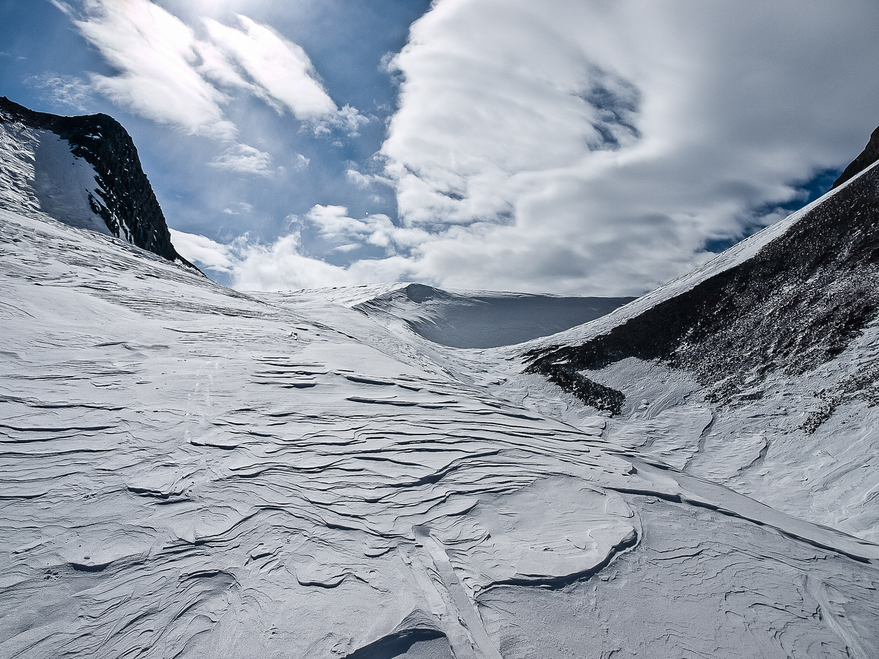 Skiing to the French / Robertson col.