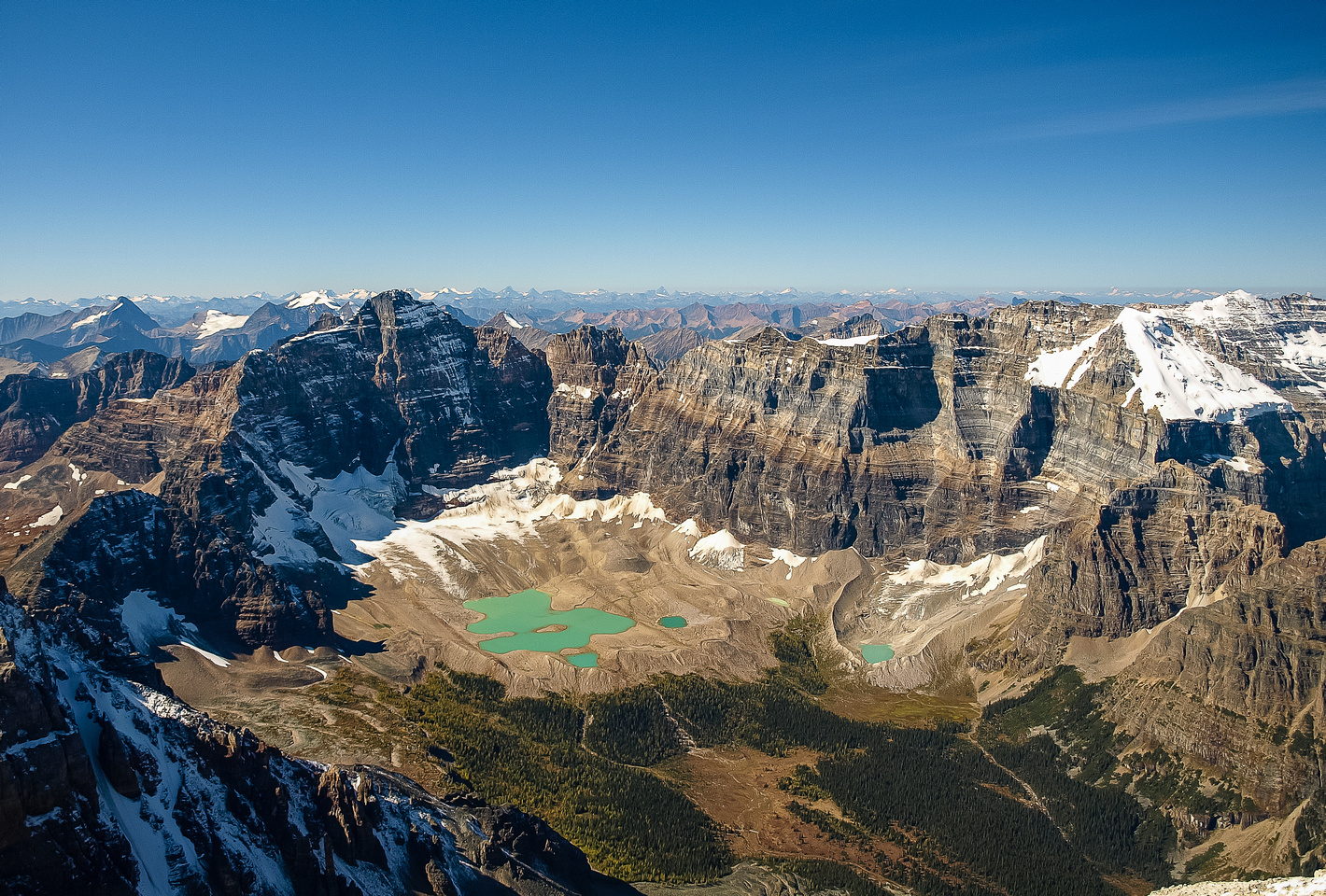Incredible views of the Horseshoe Lakes and Paradise Valley.