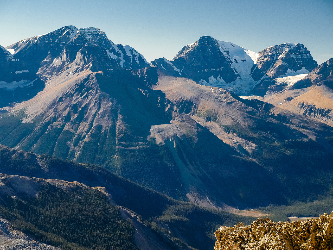 Great views of Engelhard, Alberta, Woolley and Diadem (L to R).