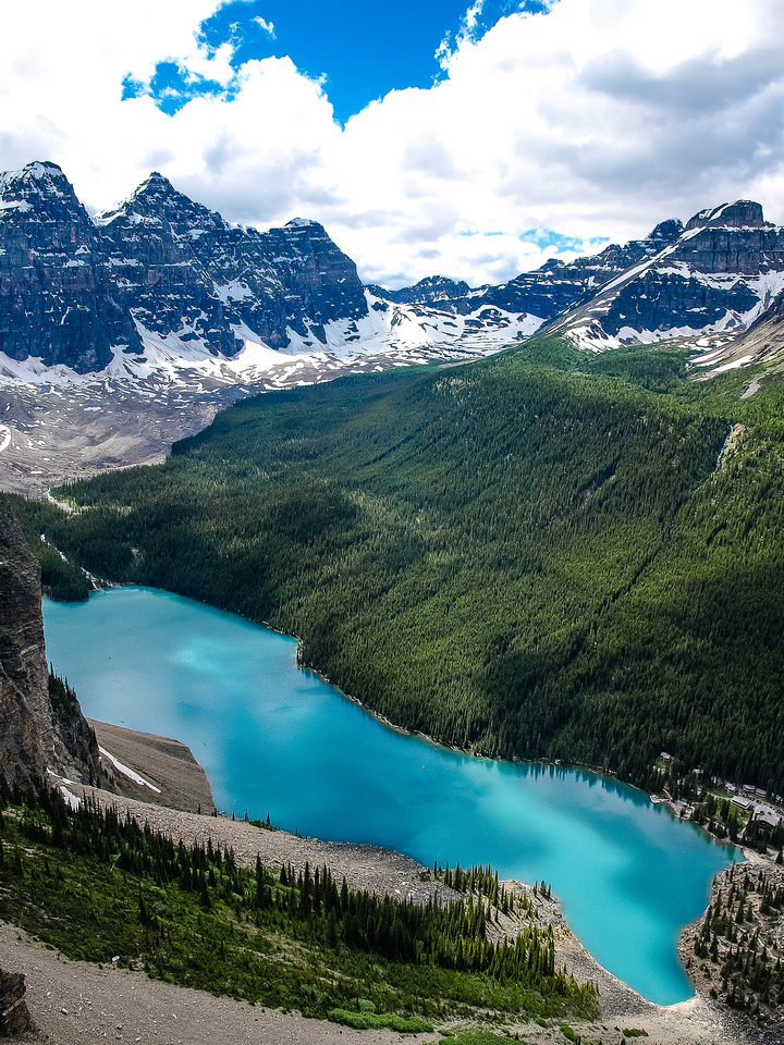 Another view over Moraine Lake which has a Peyto Lake look to it here!