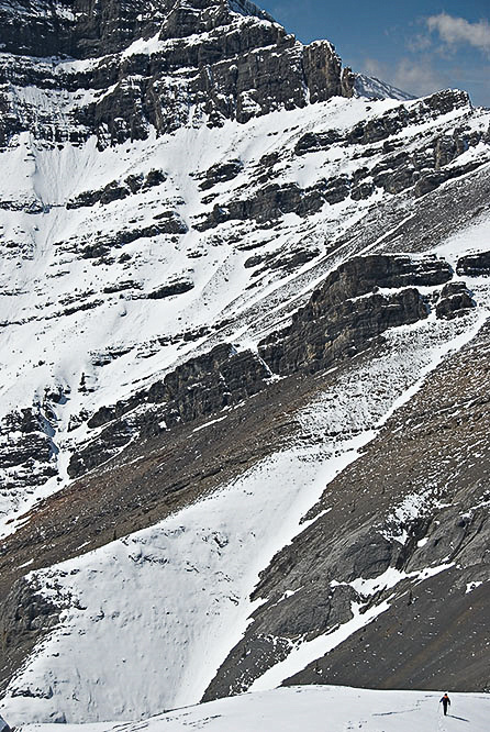 Wietse is pretty tiny compared to the east face of Morrowmount as he descends from the summit of Wendell.