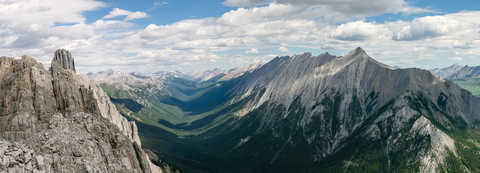 Mount Brewster at right, great views up Forty Mile Creek.