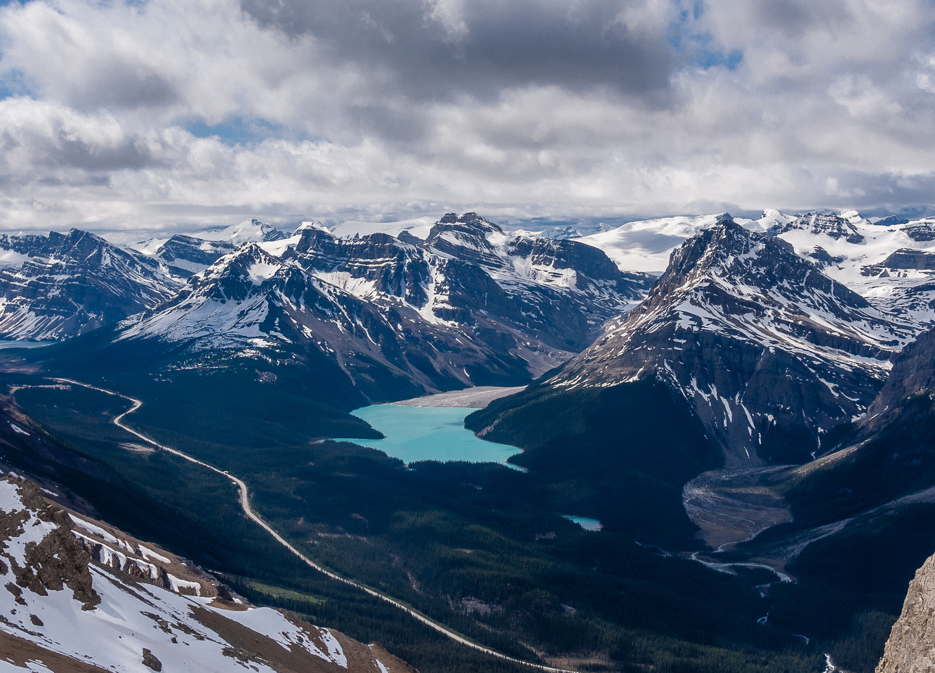 Excellent views back to Jimmy Simpson, Thompson and Peyto Lake with the Wapta icefield.