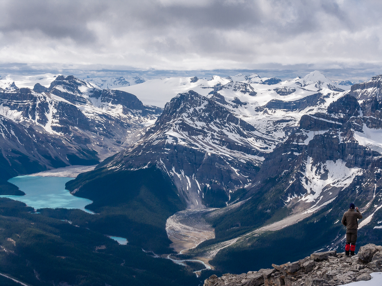 Views over Peyto Lake to Thompson, Habel, Caldron, Mistaya and Baker.