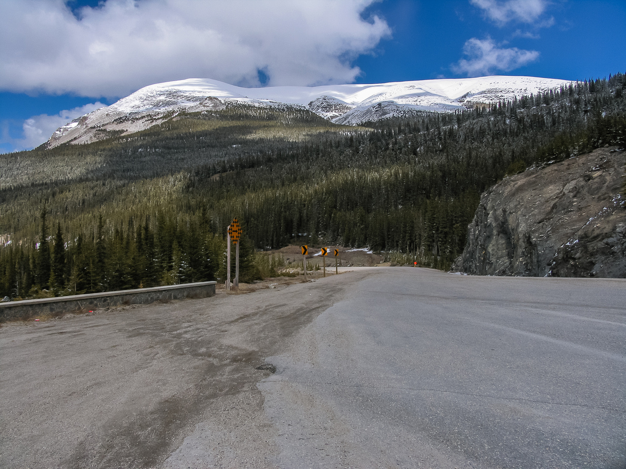 This is what Tangle Ridge looks like from about 1km up the road towards the Icefields Center at a tourist stop.