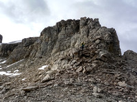 The fun scrambling terrain under the summit on the NW ridge.