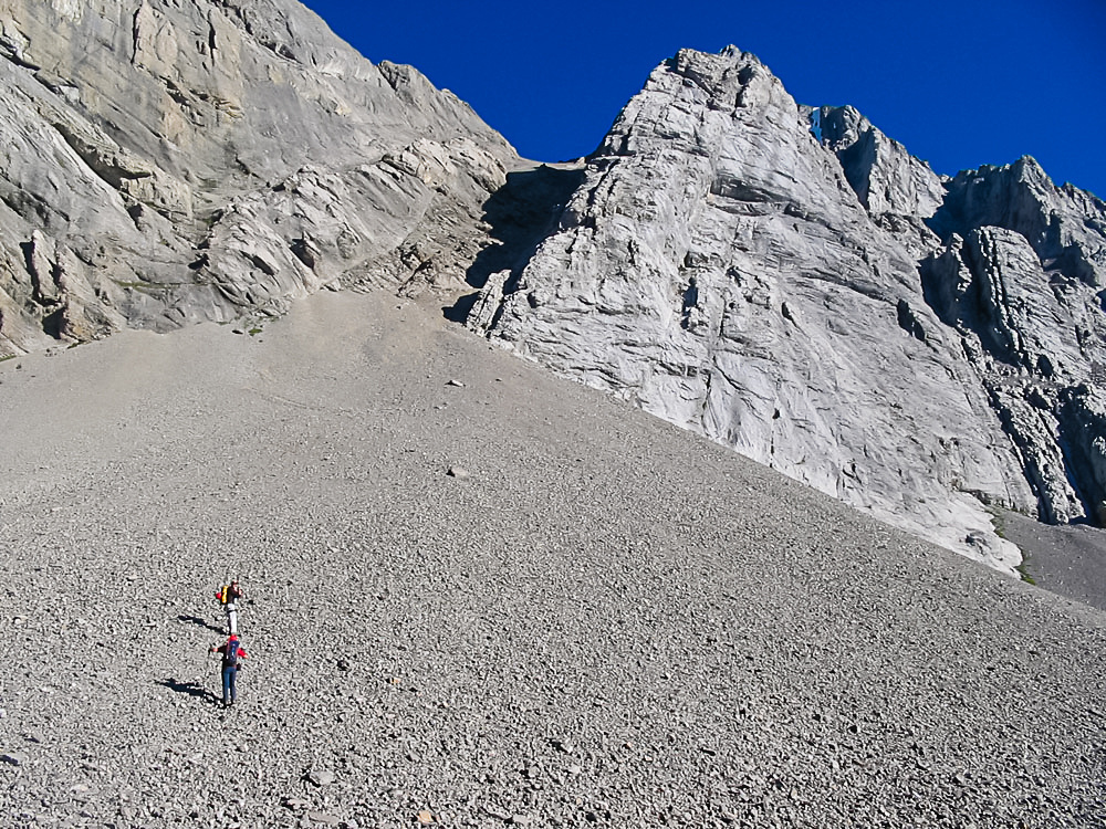 Starting up the scree to the main access gully on Smuts from the pass.