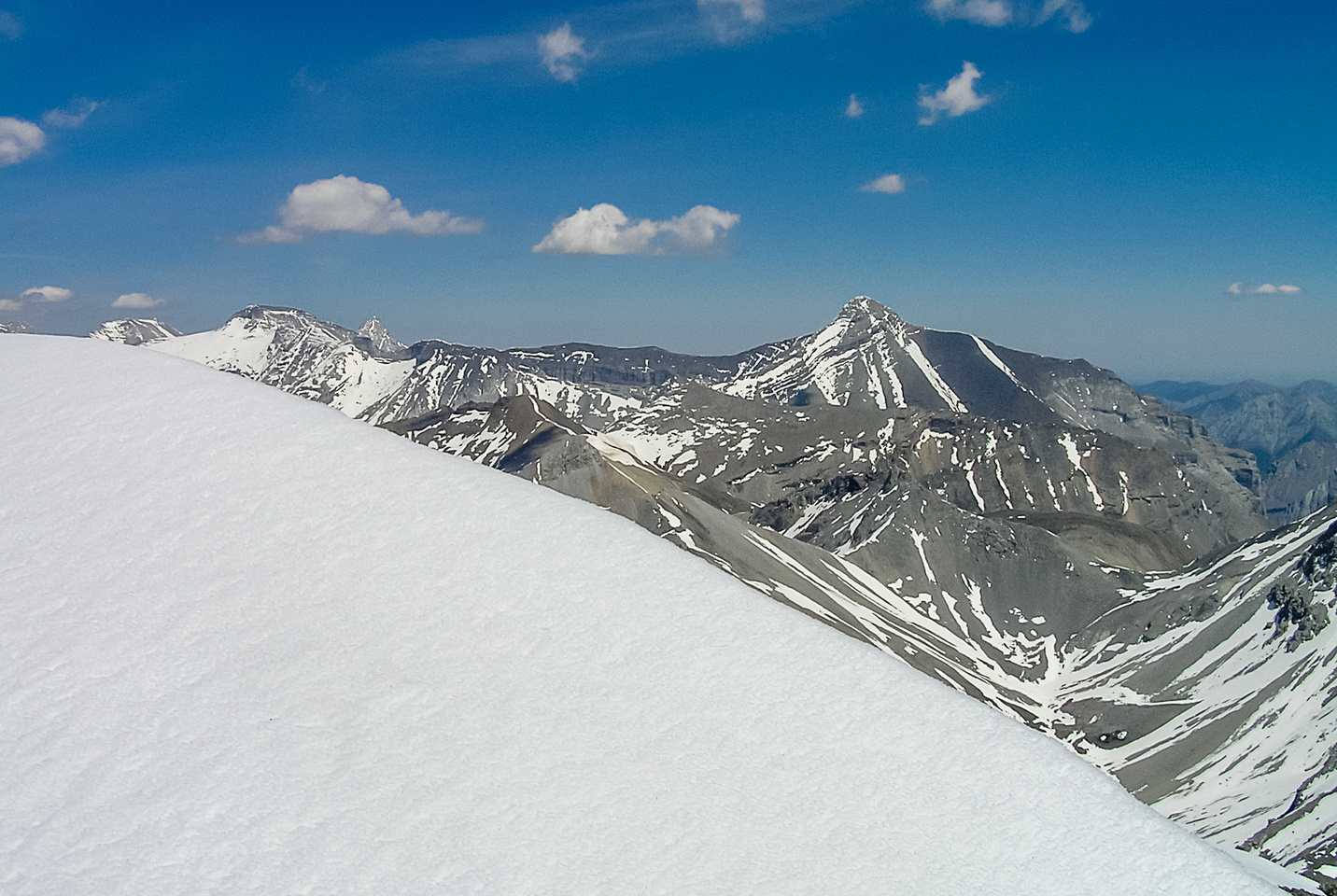 Sparrowhawk (L) and Bogart (R) are just visible over the summit cornice.