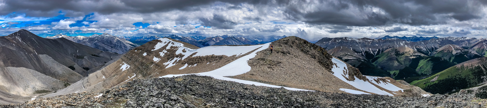 Descending the west ridge of Wapiti Mountain.