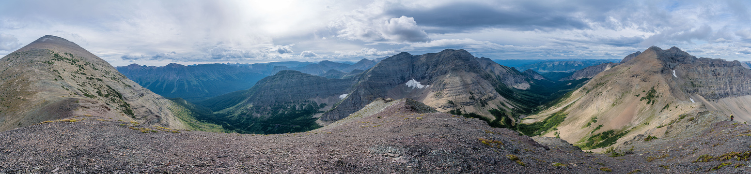 From the bump, Haig (L), Middle Kootenay (C) and Boot Hill (R).
