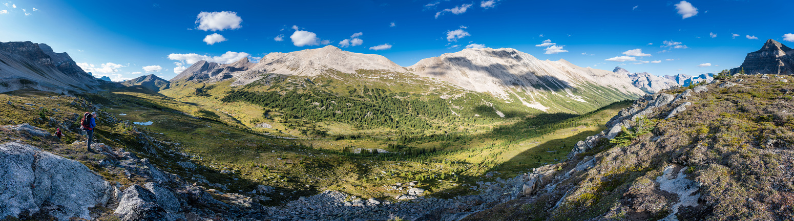 Incredible views over the Pipestone River Valley with the Pass at left and Cataract Peak at right.
