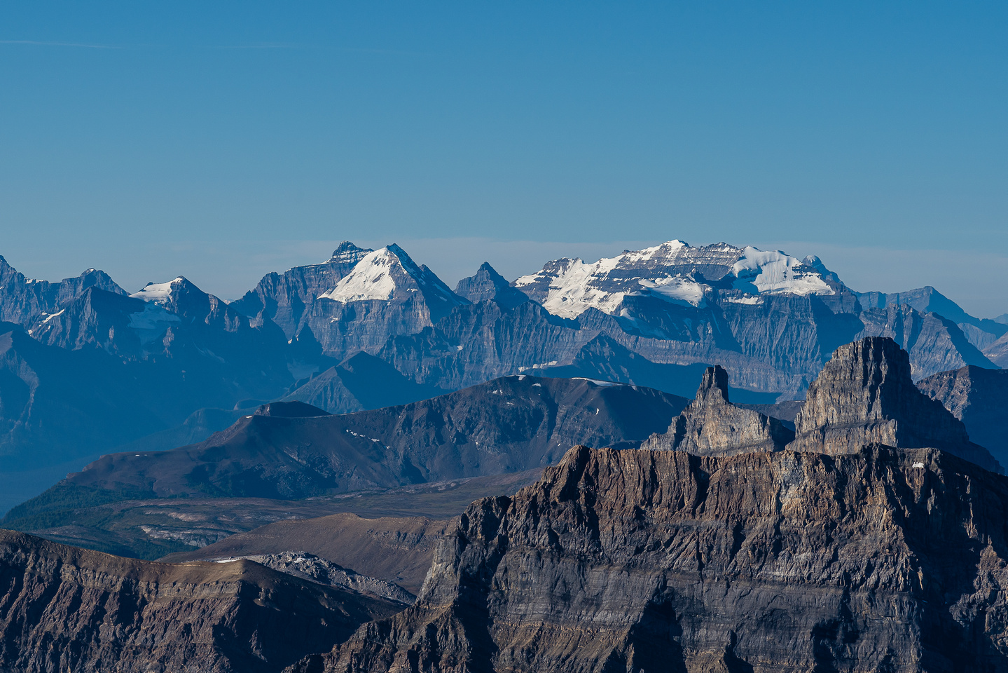 Minnow Peak and Molar Mountain in front of Mount Victoria.
