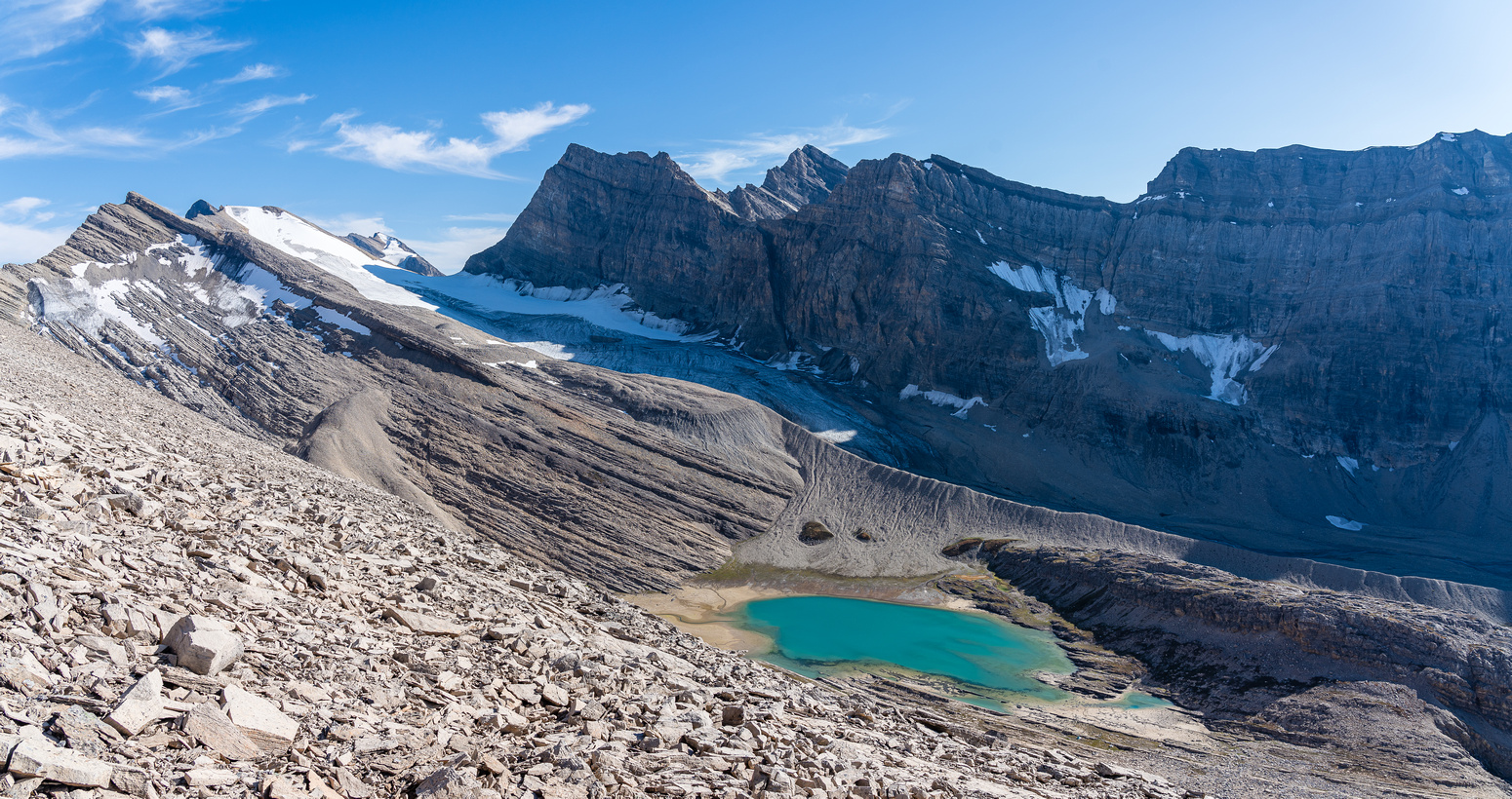 The glaciated col at left can be used to traverse down to Three Brothers Lake and Cataract Peak.