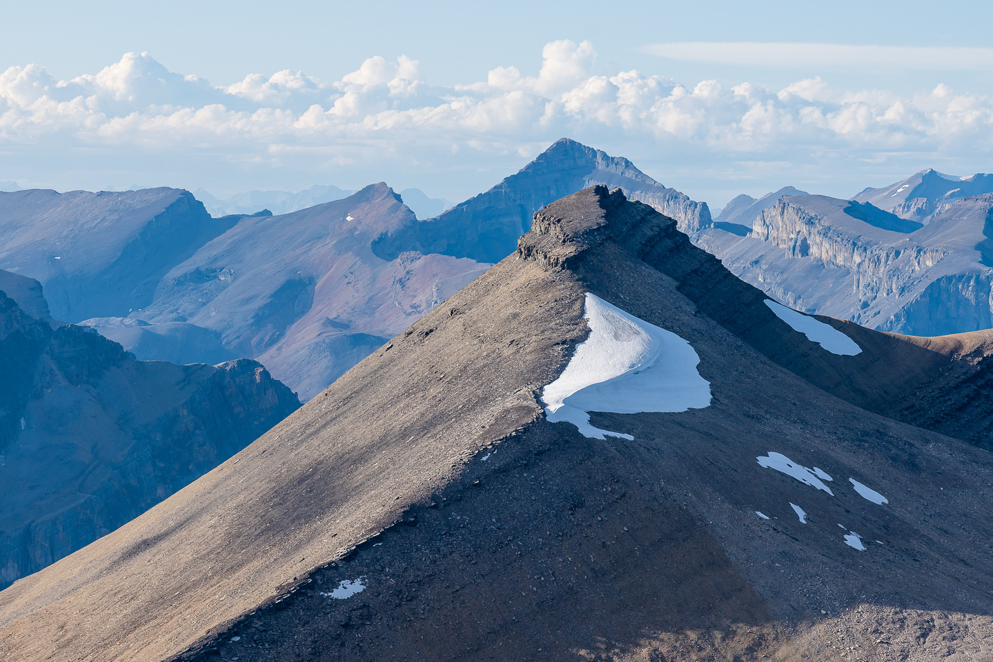 Icefall Peak rises over the north outlier.