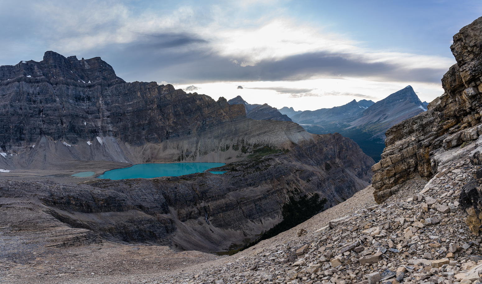 Late evening views from the SE face of Dip Slope to the wonderful upper lake.