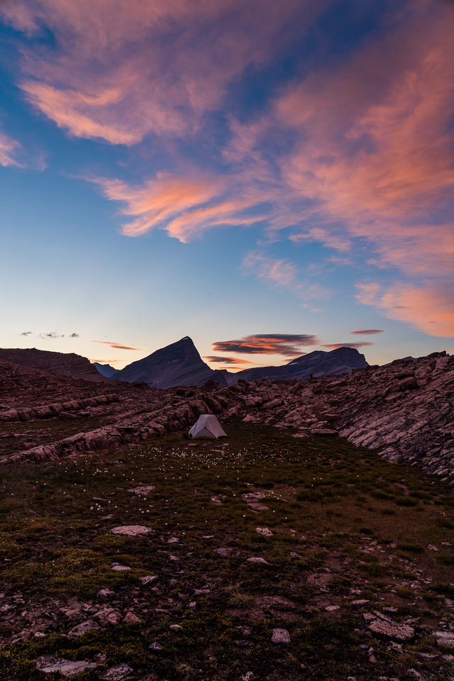A gorgeous sunset over the Dip Slope bivy site.
