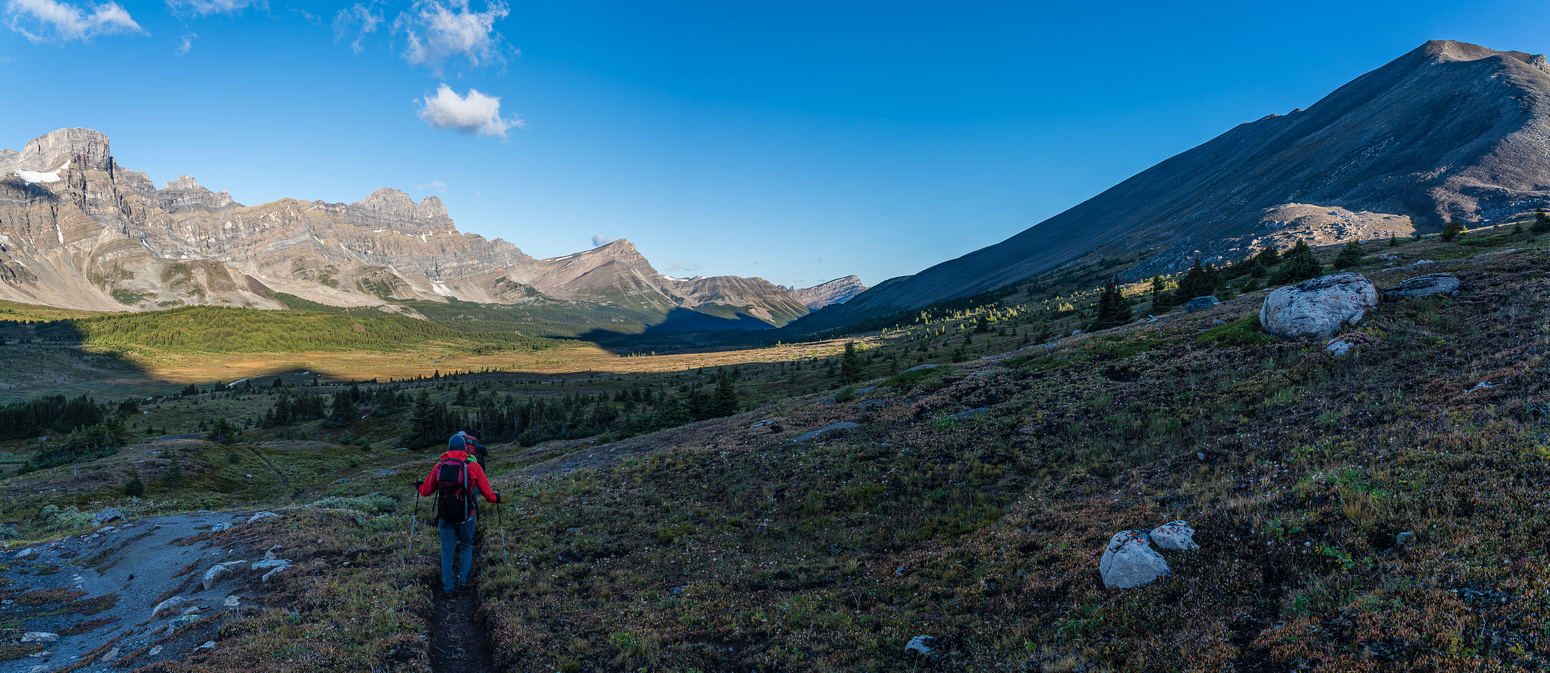Descending from Clearwater Pass into the Siffleur River valley / trail.