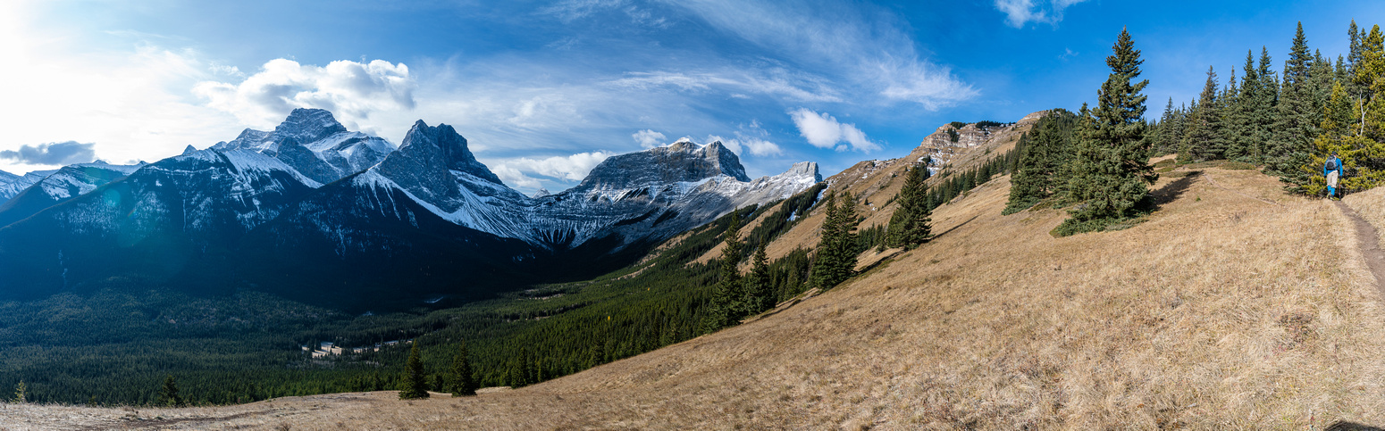 Lougheed, Windtower, Wind Pass and Rimwall from the trail.