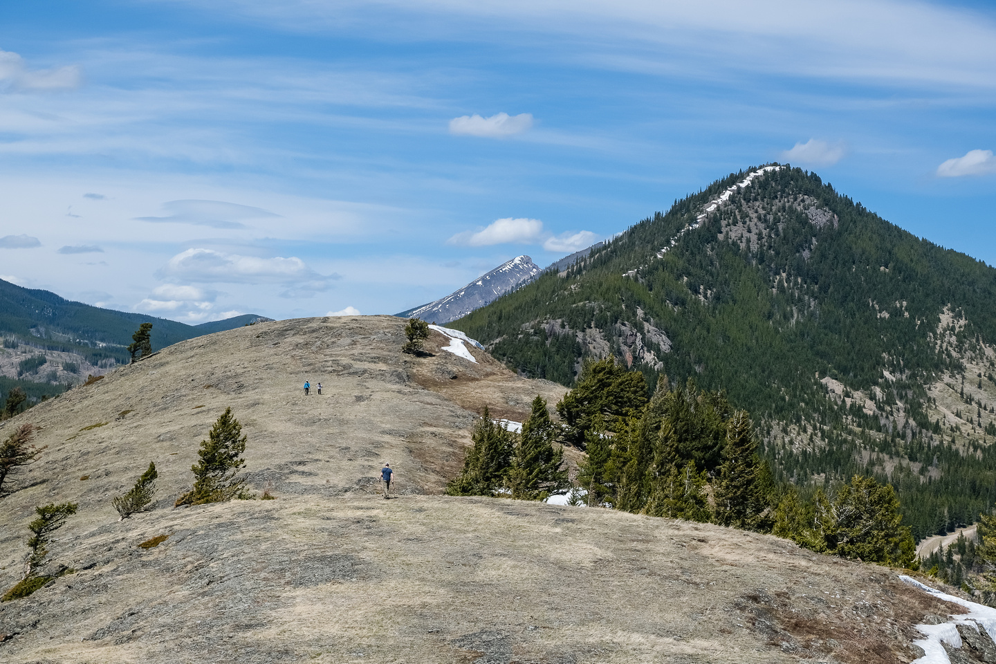 Wietse hikes towards the summit with Wedge Mountain rising at right.
