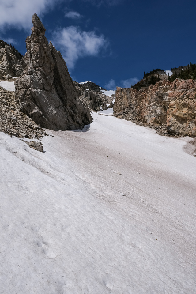 This snow gully is much steeper than it appears and I avoided it for obvious reasons.
