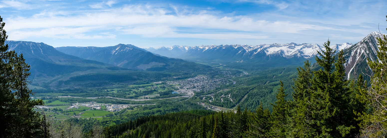 Views back over the town of Fernie towards Morrissey Ridge.
