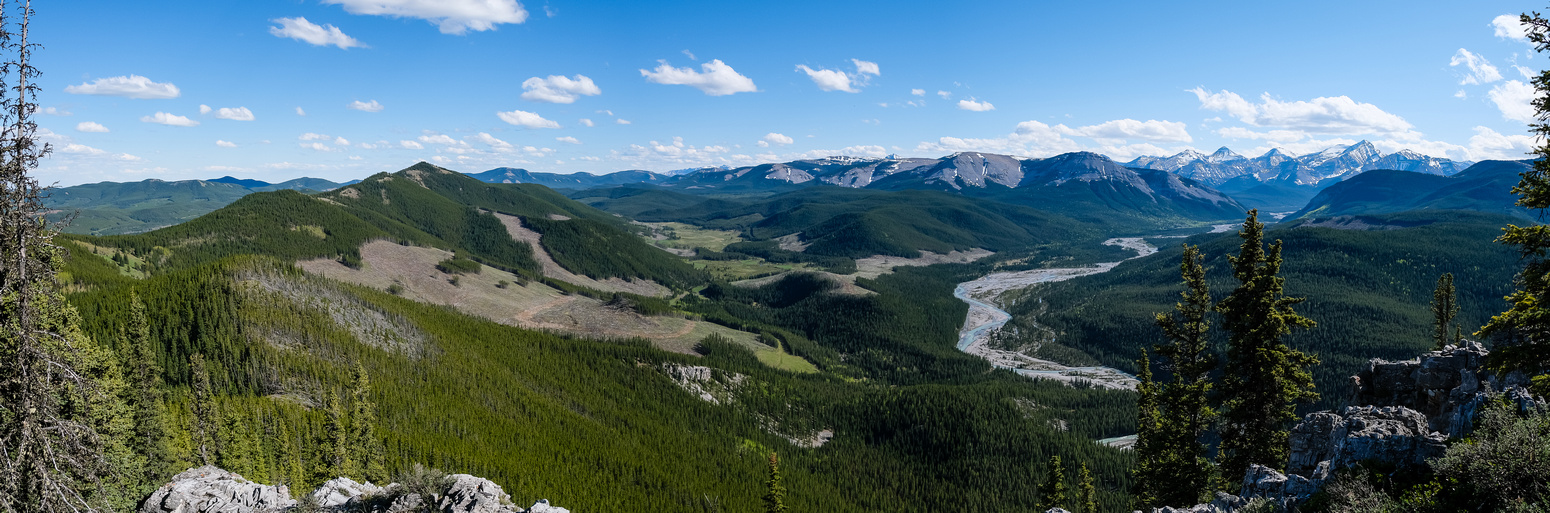 Great views west and south from Îyarhe Îpan to Quirk Ridge and the Elbow River Valley.