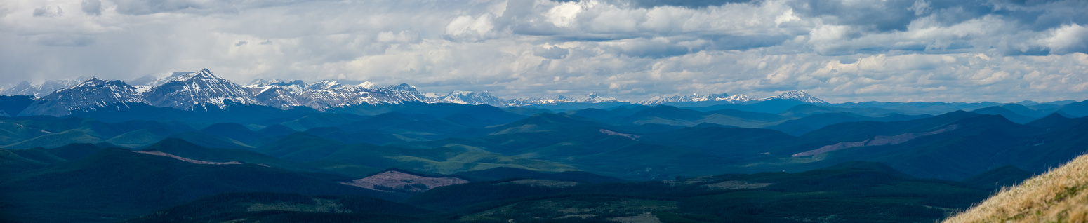 Great views north along the Bighorn Range includes many unfamiliar peaks.