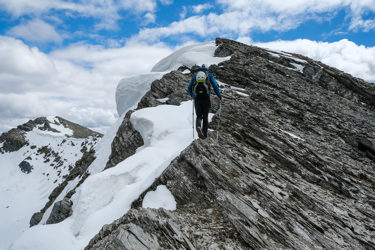 Descending the long south ridge of Mount Shanks.