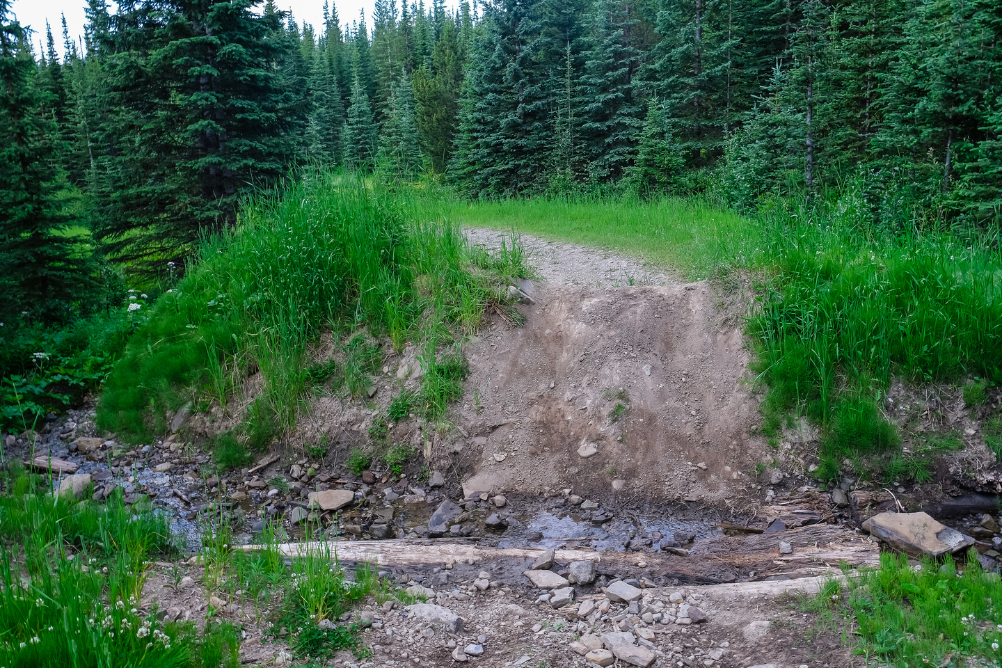 Deep berms cut through the approach roads - over 50 of them!