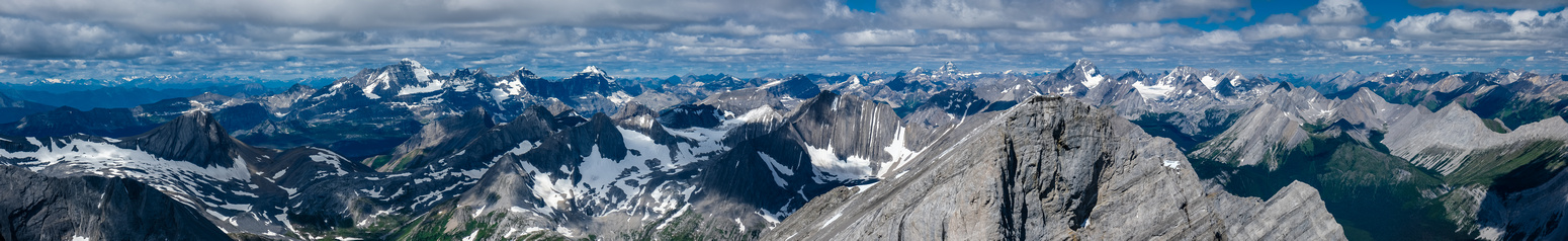 Views over Northover Ridge and Sarrail to King George, Assiniboine and Sir Douglas / Haig Icefield.