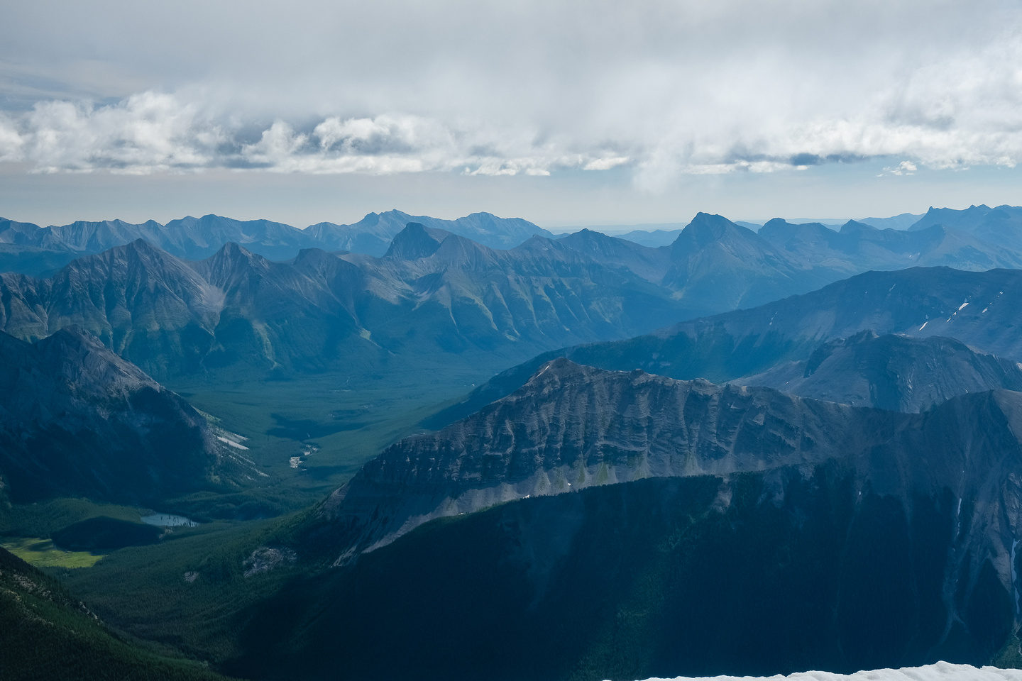 Views to Mount Loomis (L), Bishop, Horned, McPhail and Muir.