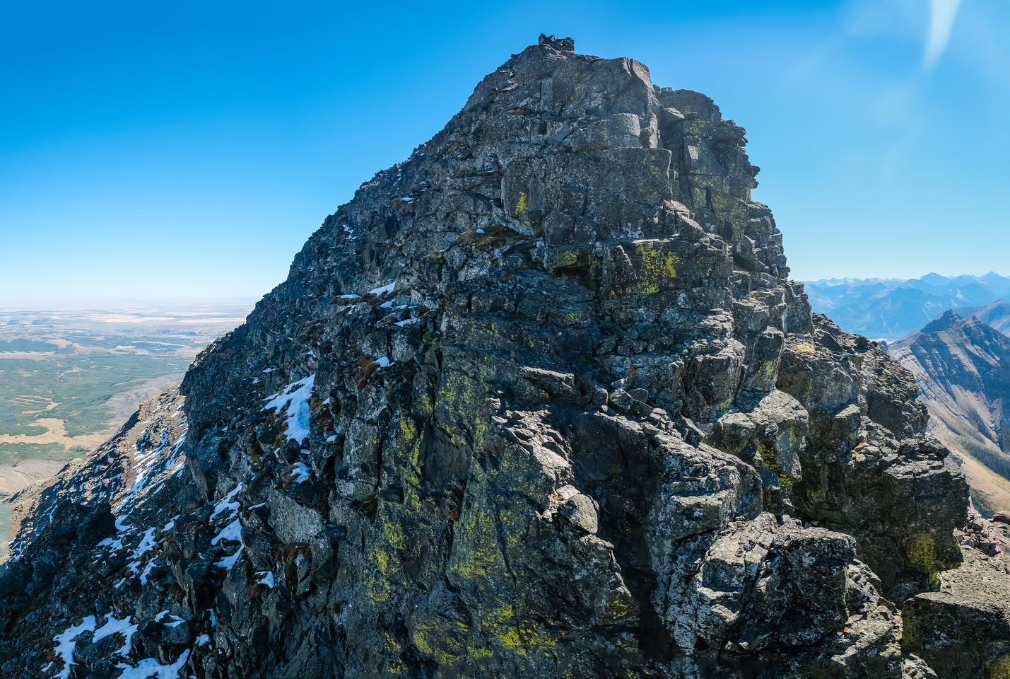 The west ridge to the summit.