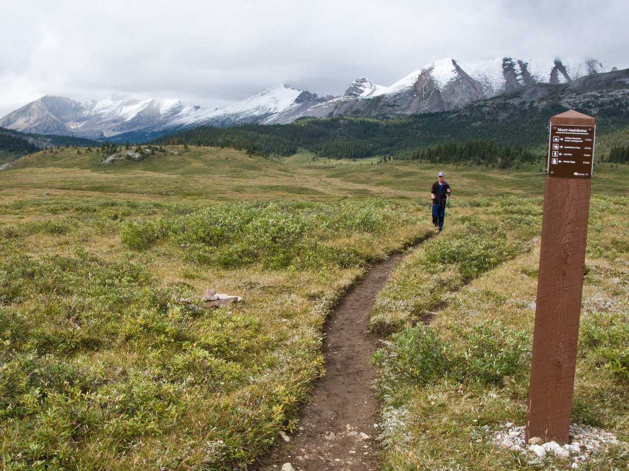 Rod hikes back to the Lodge area with Og Mountain in the background.