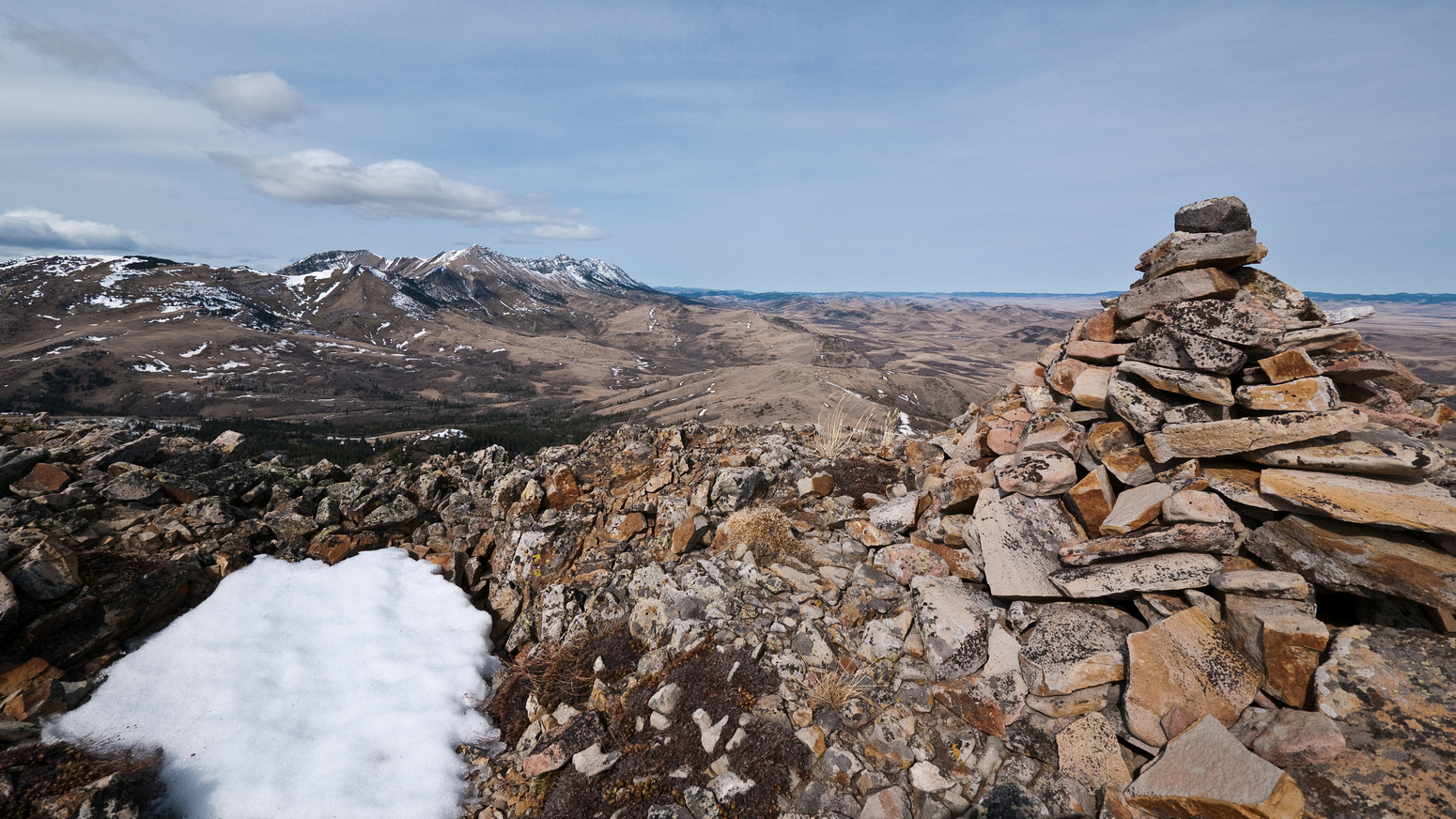 Summit cairn on Robertson looking North towards Caudron and Center Peaks.